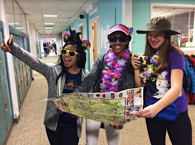 Tacky Tourist Tuesday with Krista Caasi, Megha Thomas, and Caroline Haggerty
