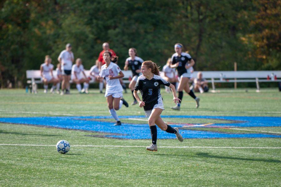 Bri Astbury plays PDS Varsity Girls Soccer Prep B Championship on November 1 2019. (Photo/Princeton Day School Flickr)