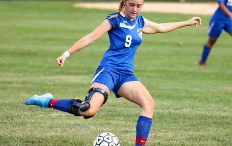 Junior Chloe Knerr playing soccer in the fall of 2019. (Photo/Nancy Erickson/PDS Flickr)